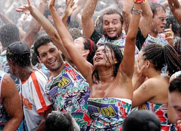 Resultado de imagem para chuva carnaval emparn